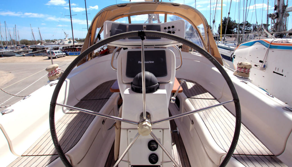 airbnb-sailboat-fabula (9)