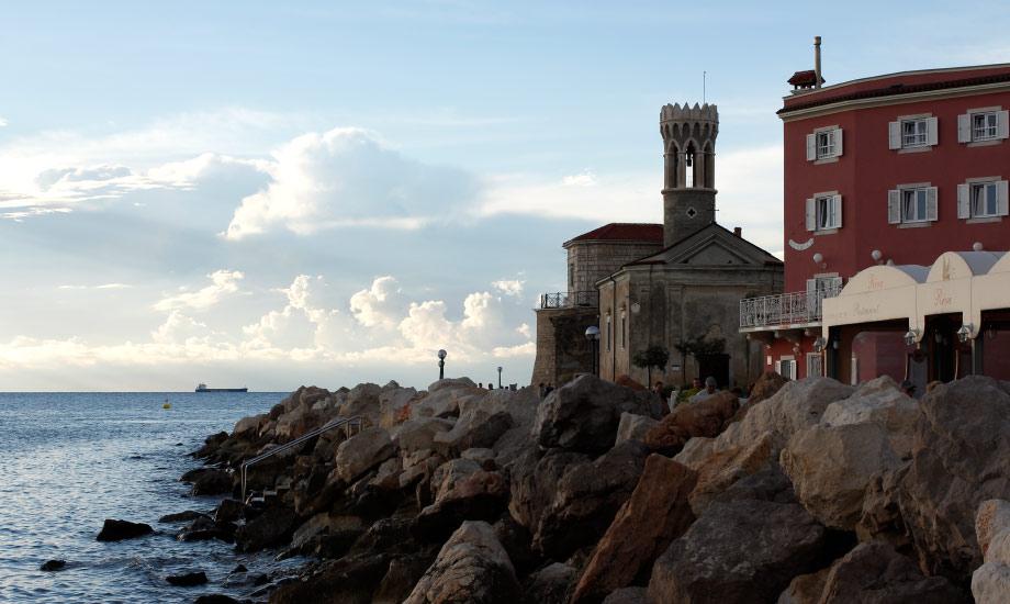 Strandpromenaden i Piran