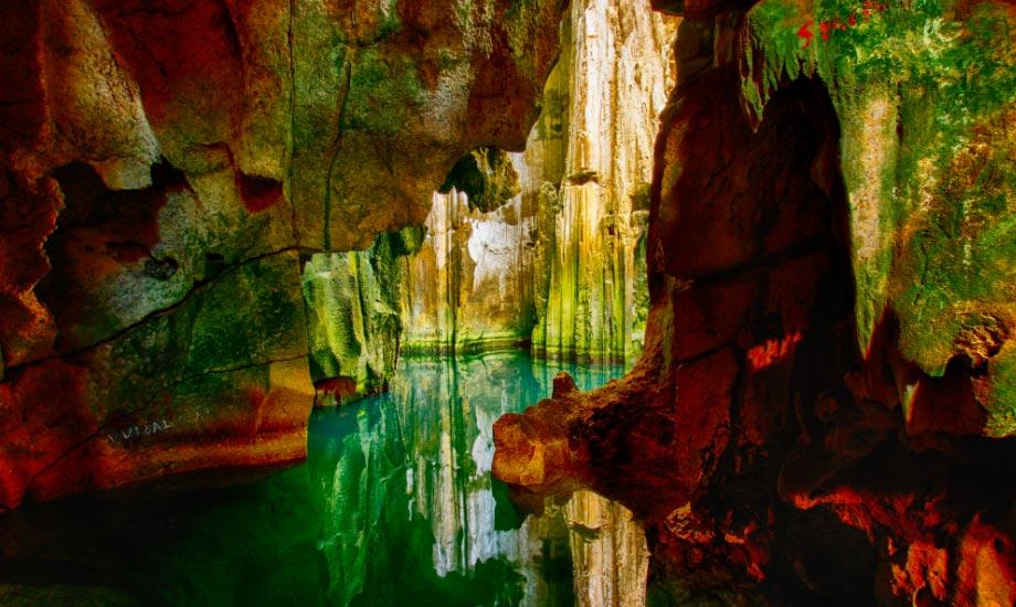 Sawa-I-Lau Caves - fiji navotua village homestay
