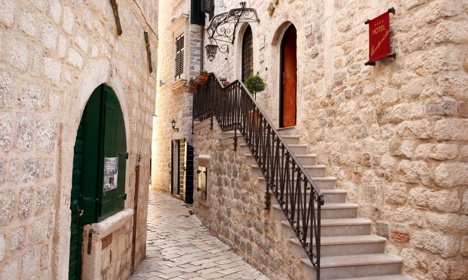 montenegro-kotor-by (1)